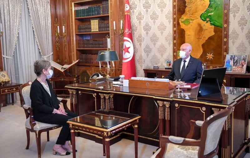 Saied nomme une femme, Najla Bouden, pour former un nouveau gouvernement