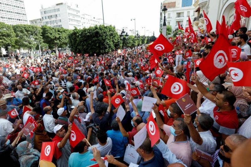 A Tunis, des manifestants craignent