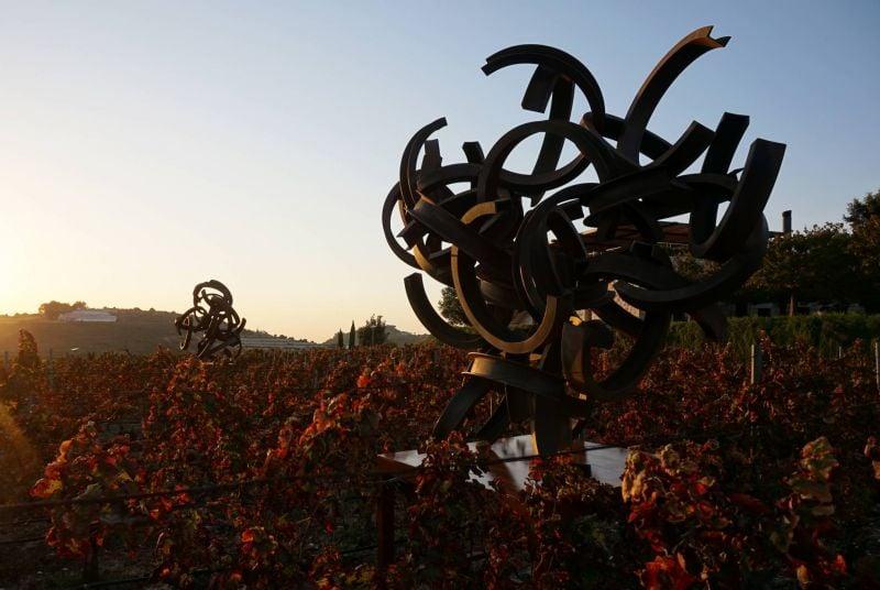 La lumière des sculptures d'Anachar Basbous, pour défier l'obscurité