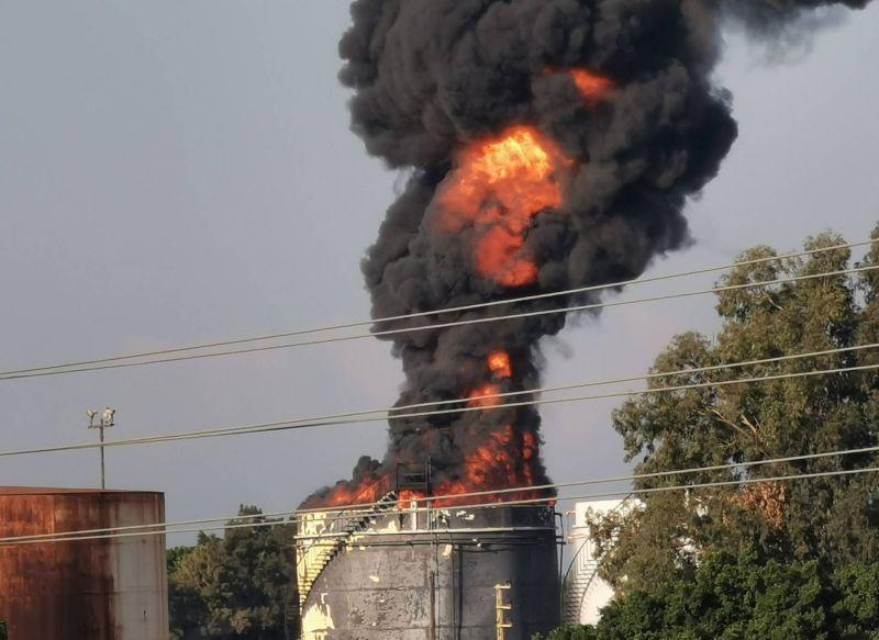 Incendie maîtrisé dans les installations pétrolières de Zahrani