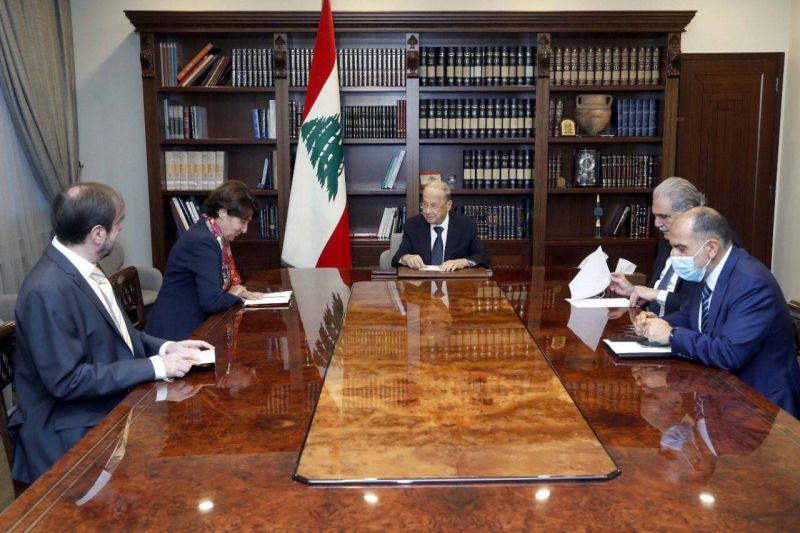 ''La France se tient au côté du Liban'', affirme Macron à Aoun, selon Baabda