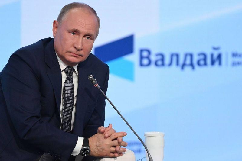 Poutine prêt à fournir des images satellites du port de Beyrouth, mais n'en voit pas l'utilité